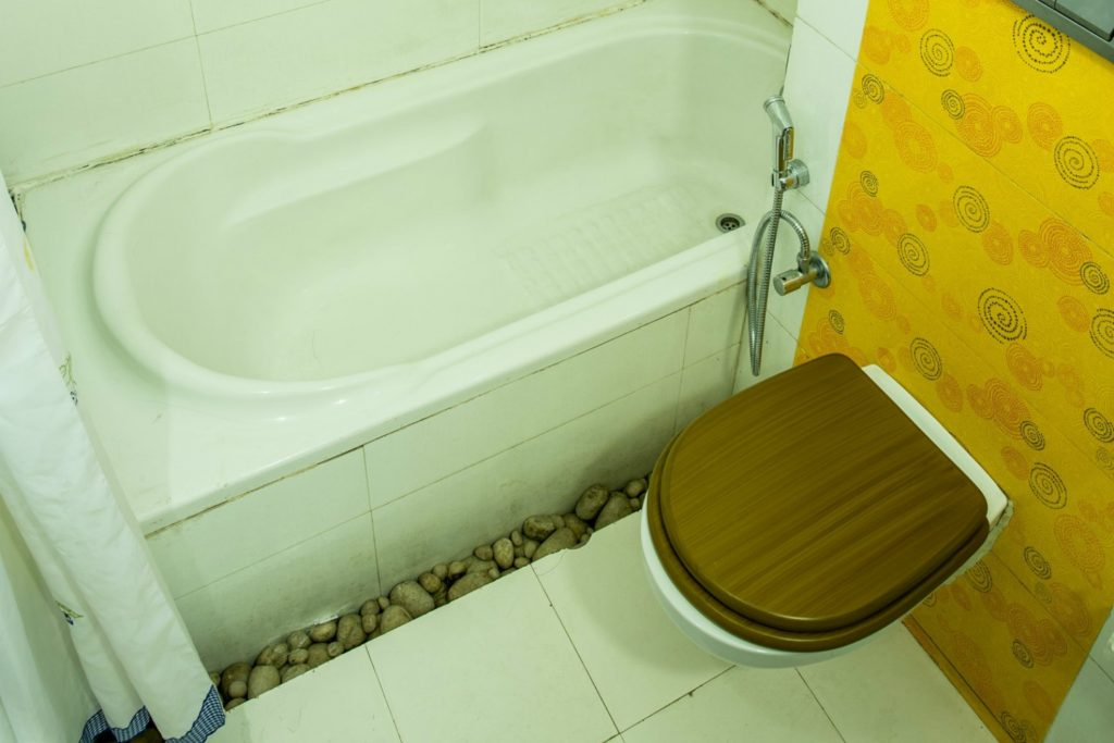 Aravali Resorts Executive Room Washroom